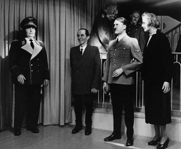 Paskutinis liudininkas: asmens sargybinis, radęs A. Hitlerio ir E. Braun kūnus, atskleidė intymias jų privataus gyvenimo detales