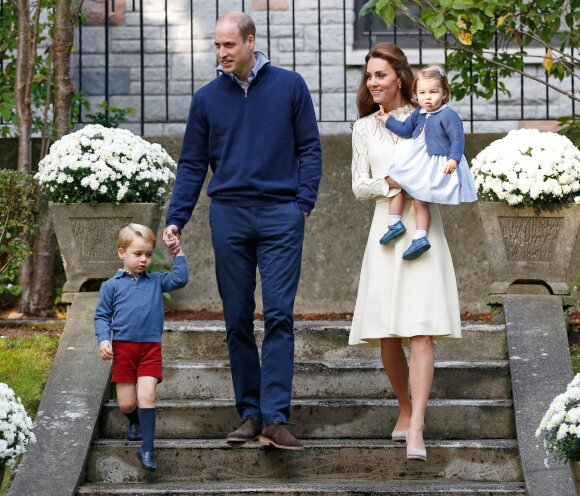 Atkreipkite dėmesį į Kate Middleton ir jos vaikų aprangą – pastebite šią stiliaus gudrybę?