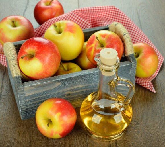 Obuolių actas - viena universaliausių priemonių. Tinka ir paviršiams valyti, ir aknei gydyti, ir kaip liekninantis maisto produktas