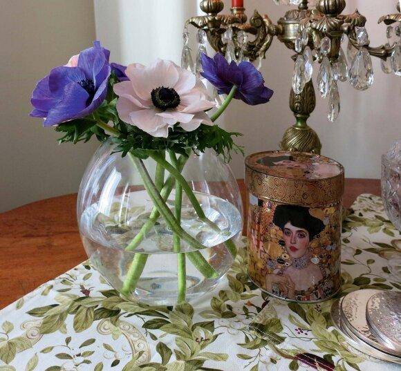 Žalvario žvakidė su krištoliniais karuliais – iš Kaziuko mugės