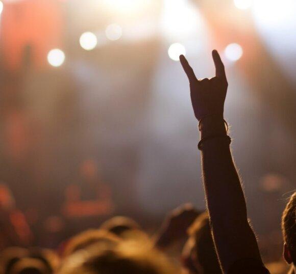 10 rankų gestų, kurių neturėtumėte rodyti užsienyje