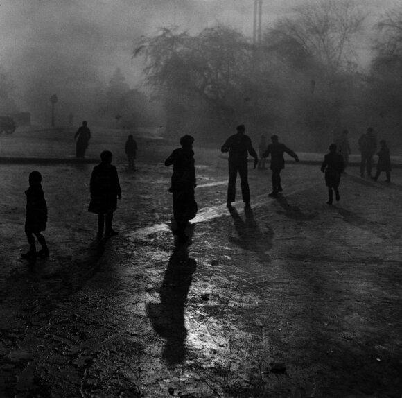 Skaudžiausia taikos meto tragedija: Londoną apgaubė keista tamsa, netrukus laidojimo namams ėmė trūkti karstų