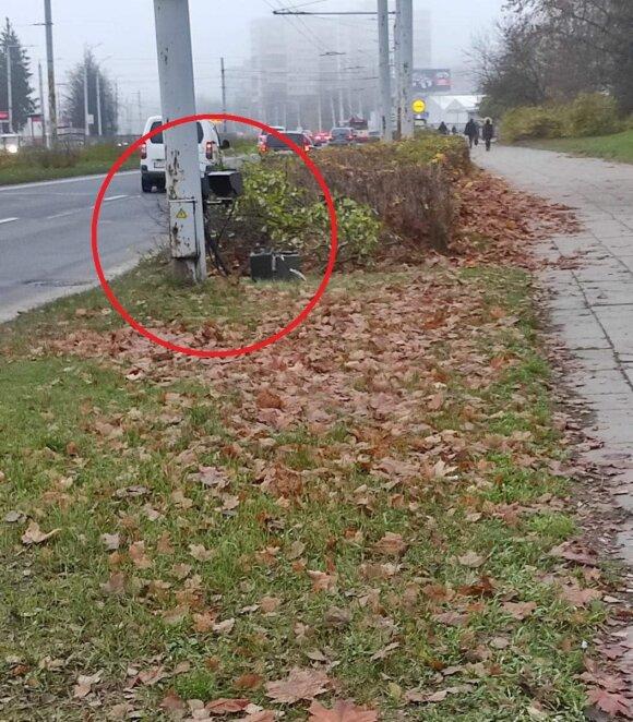 Полиция испытывает терпение водителей - прячет радары за столбы и за кусты