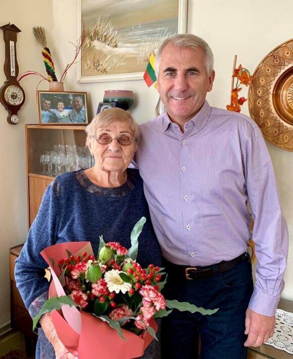 Vygaudas Ušackas su savo mama Laima Ušackiene.