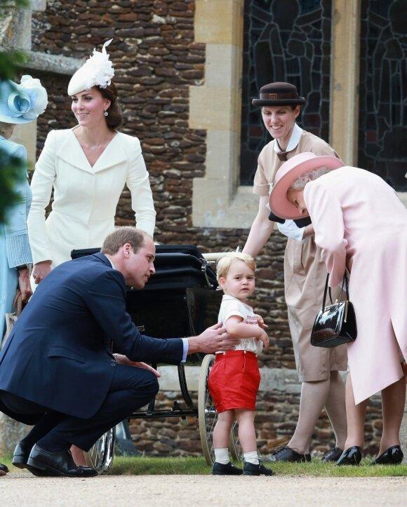 Karališkoji šeima nerimauja dėl mažajam princui gresiančio pavojaus