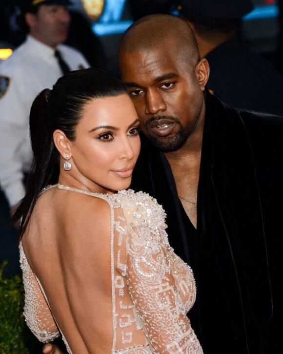 "<span style=""color: #ff0000;"">PAGALIAU:</span> Kim Kardashian nėščia"
