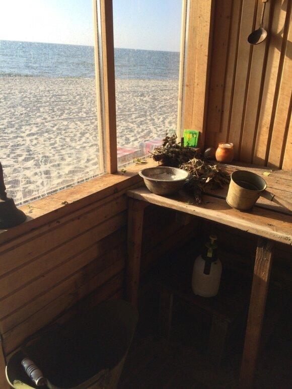 Pirtelę ant jūros kranto pastatę broliai siūlo kitokį svaiginimosi būdą