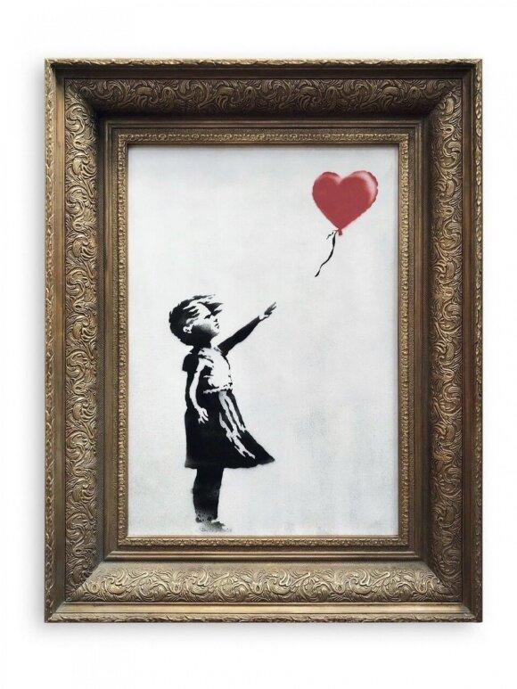 Mergaitė su balionu