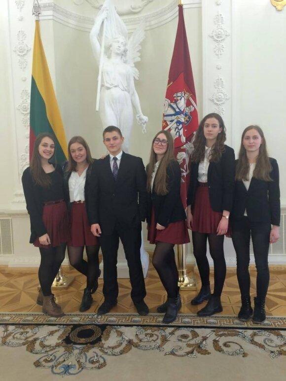 "Greta Krylovaitė Prezidentūroje po konkurso ,,Švari kalba – švari galva"""