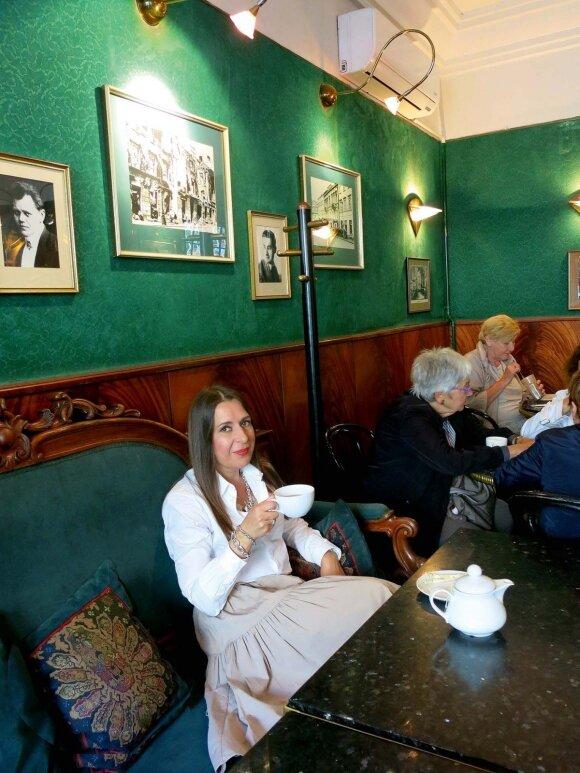 """Nuo 1869 m. veikianti kavinė """"Blikle"""" – ypatinga vieta, mat čia ne tik gausite puikaus deserto, bet ir gabalą istorijos"""