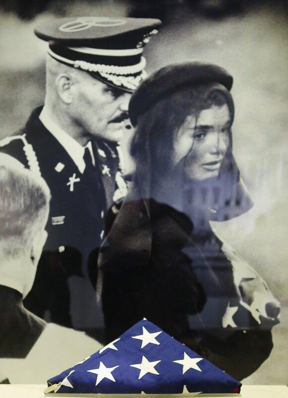 Jacqueline Kennedy per vyro laidotuves