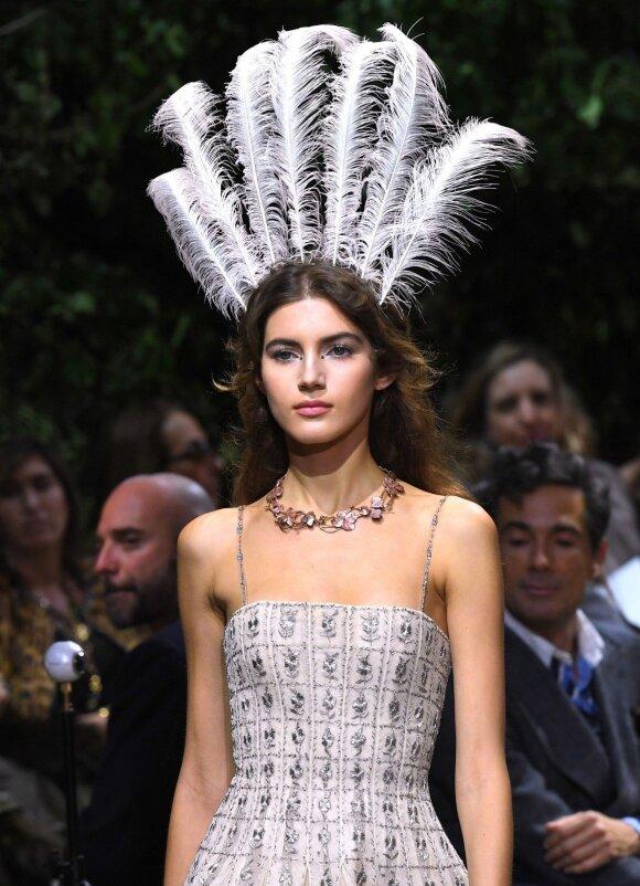 """Mados namų """"Dior"""" pristatymas pavasario-vasaros 2017 sezonui, aukštosios mados savaitėje"""
