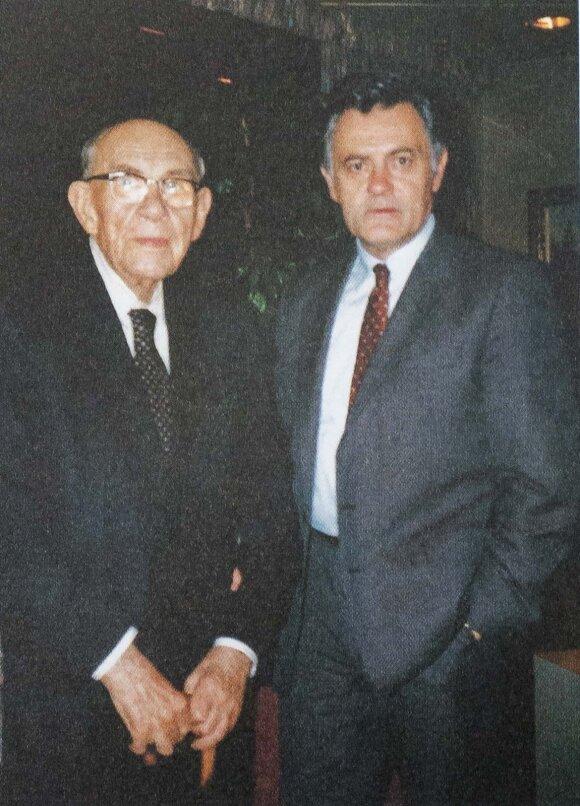 Valdas Adamkus su 90-metį švenčiančiu tėvu Ignu Adamkavičiumi
