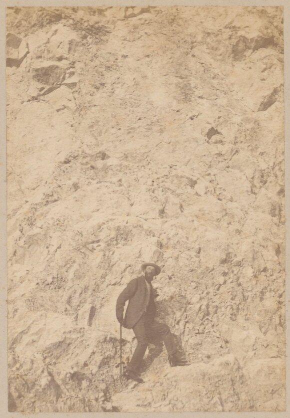 Nica. Grafas Benediktas Henrikas Tiškevičius kopia uolomis. 1892 m. sausio mėn. – 1892 m. balandžio mėn. Fotografijos muziejaus rinkinys