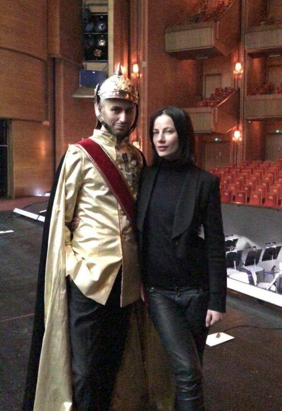 Dizainerė Agnė Kuzmickaitė: kurdama signatarų aprangą įkvėpimo sėmiausi iš archyvinių nuotraukų