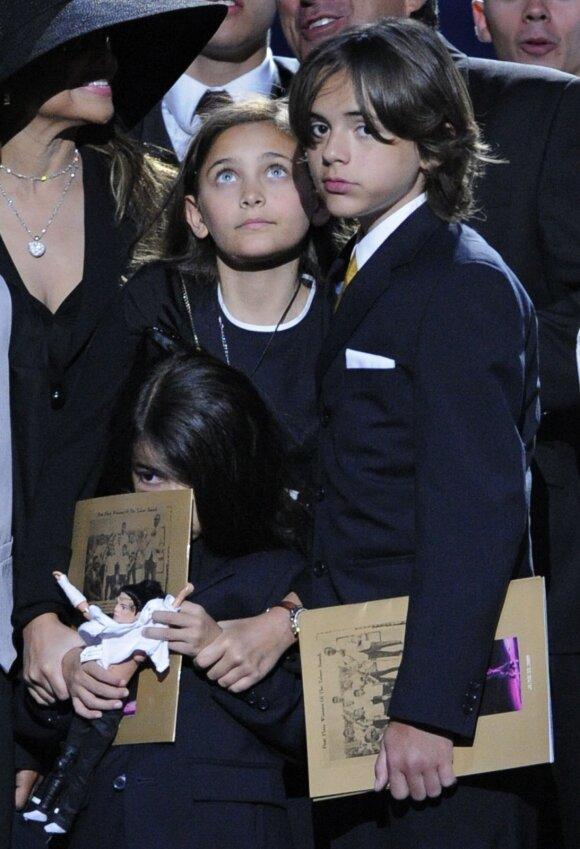 Michaelo Jacksono vaikai Paris, Prince'as ir Blanketas