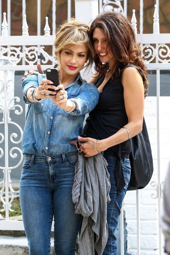 Štai kaip atrodo jaunesnioji Jennifer Lopez sesuo