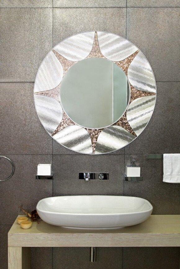 Patarimai, kaip nebrangiai atnaujinti vonią