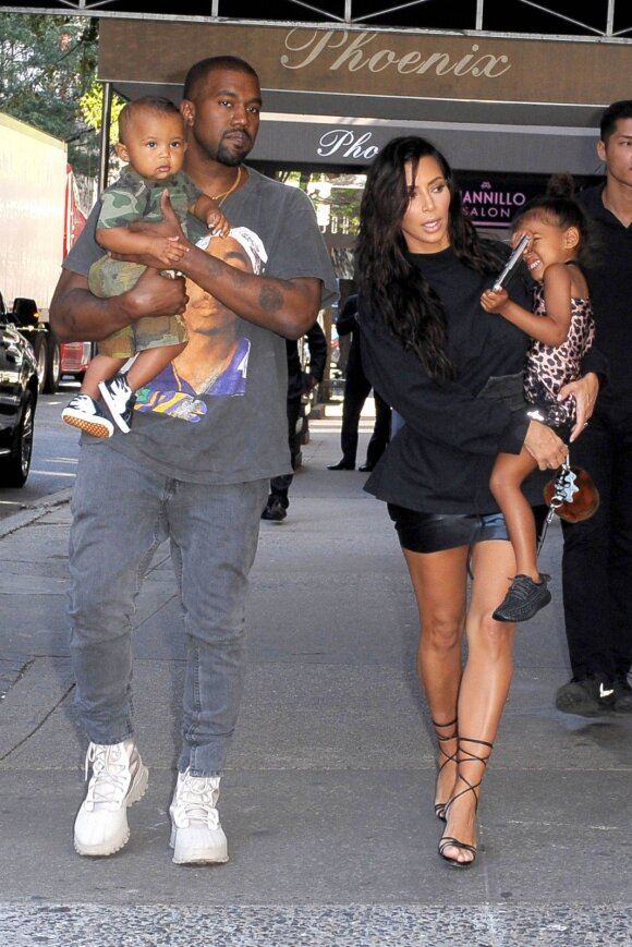 Kardashianų sūnus Saintas buvo skubiai išgabentas į ligoninę