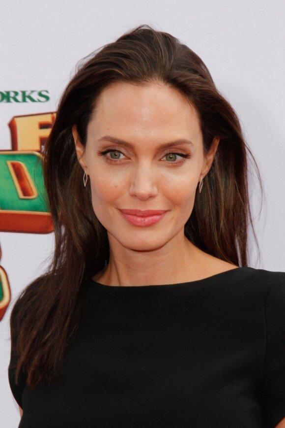 Kas pakeis Angeliną? Bradas Pittas jau nebe vienišas