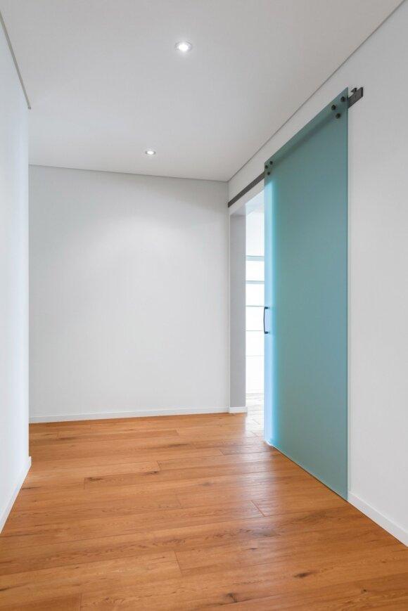 Stumdomos durys: pliusai bei minusai
