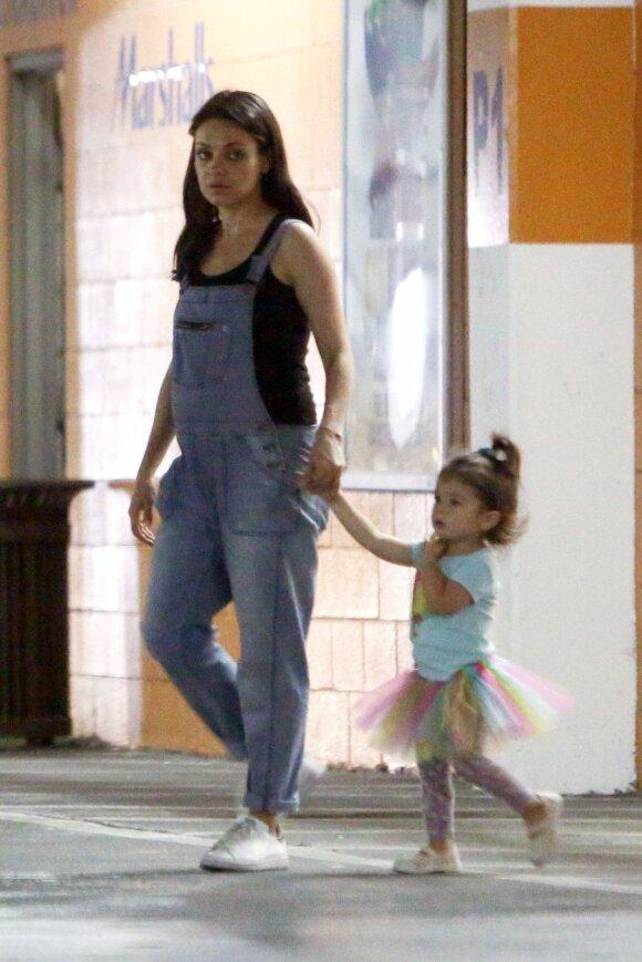 Žvaigždės be stilistų: kaip realiame gyvenime atrodo Mila Kunis