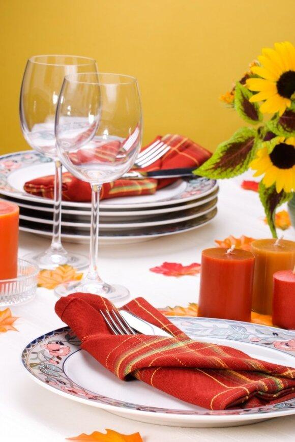 Rudeniškas stalo dekoras