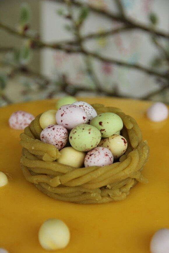 Estiški Velykų žaidimai: žalias kiaušinis tam, kuris nemyli
