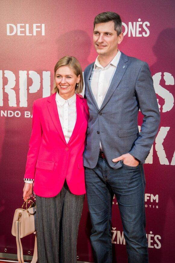 Aktorė Agnė Grudytė su mylimuoju Kipre iškėlė vestuvių šventę: pasveikinti atskrido būrys draugų