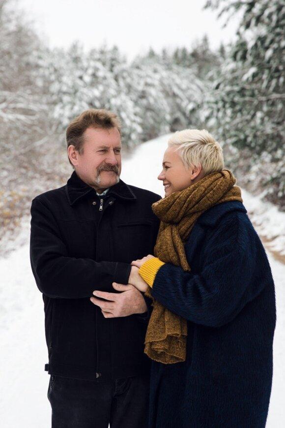 S. Mikoliūnienė su tėčiu