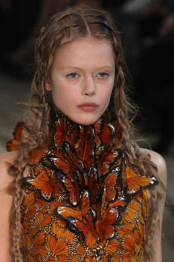 2011 m. pavasario -vasaros tendencijos. Rankdarbiai. McQueen