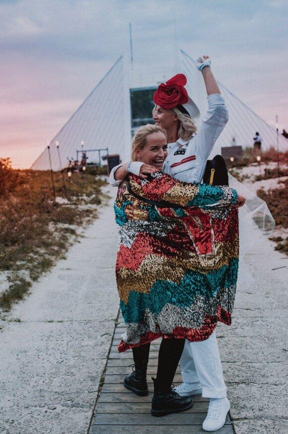 Tokių vestuvių dar nebuvo – Ignas Krupavičius su mylimąja iškėlė trankų vakarėlį paplūdimyje: norisi, kad būtų ką atsiminti
