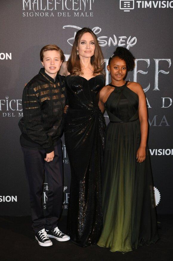 Angelina Jolie su Shiloh ir Zahara
