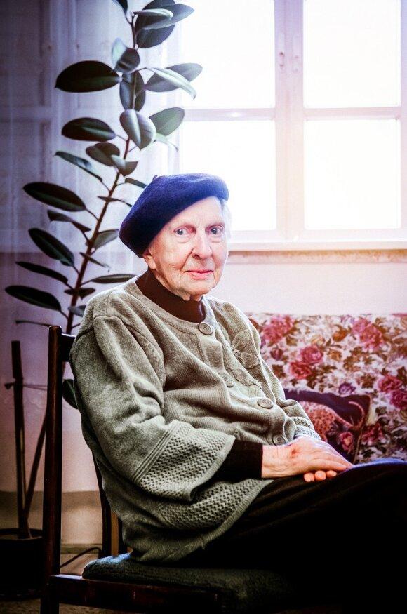 Estera Klabinaitė-Grobman