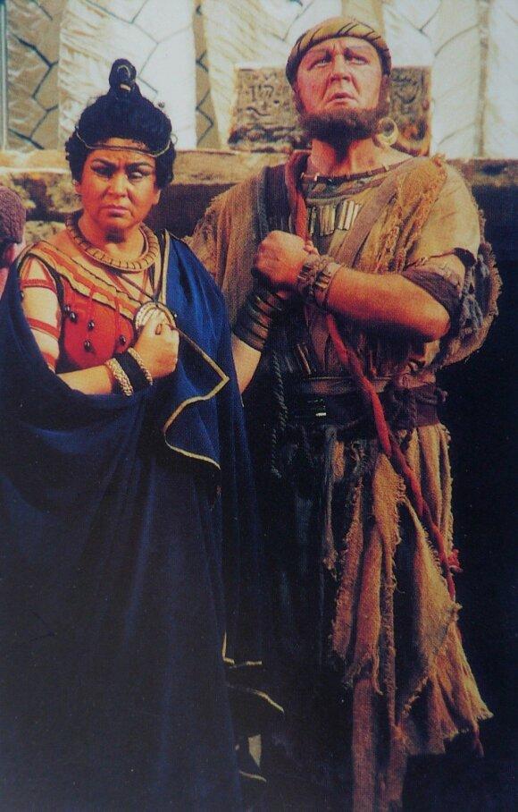 "Dž.Verdi opera ""Aida"": Aida - Irena Milkevičiūtė, Amonasro - Eugenijus Vasilevskis."