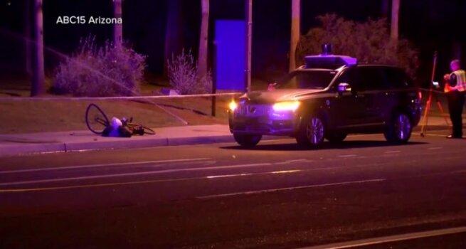 Policija paviešino benamės gyvybę nusinešusio autonomiško automobilio avarijos įrašą