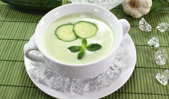 Užtenka vos vieno ingrediento, ir agurkinė taps skaniausia šaltsriube, kokią tik valgėte