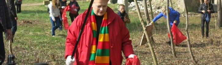 """Dalia Grybauskaitė dalyvauja """"Darom akcijoje"""
