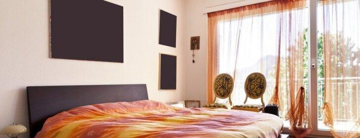 Kaip miegamąjį paversti jaukia ir praktiška erdve