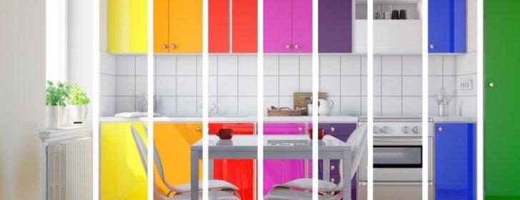 Jaukesnė atmosfera namuose: pasitelkite įvairias spalvas virtuvėje