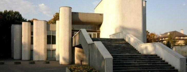 Architektūrologas V. Petrulis: sunaikinti sovietinio modernizmo architektūrą būtų neišmintinga
