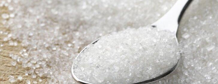 Druska, cukrus, česnakas ir kefyras – tai produktai, kurie pakeis chemiją darže