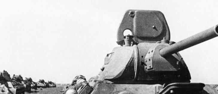 Antrojo pasaulinio karo žaizdos: upėje rastas nuskendęs T-34 su uždarytu liuku