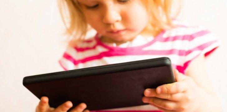 Netikėti naujojo tyrimo rezultatai, kaip išmanieji telefonai ir planšetės veikia vaikus