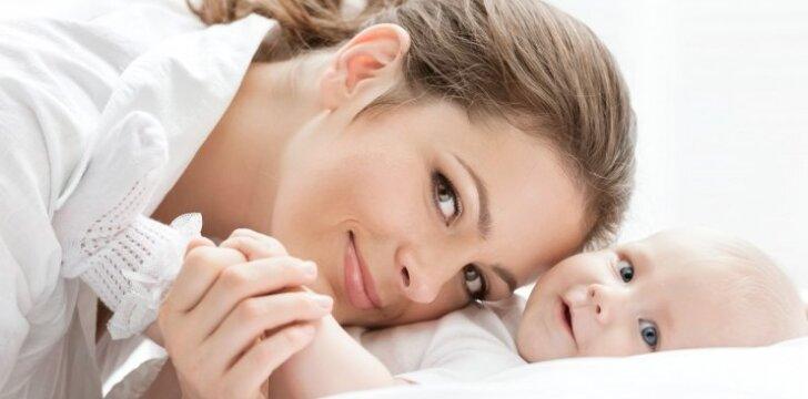 """<span style=""""color: #ff0000;"""">Atvirai apie motinystę:</span> tai – ir laimė, ir našta"""