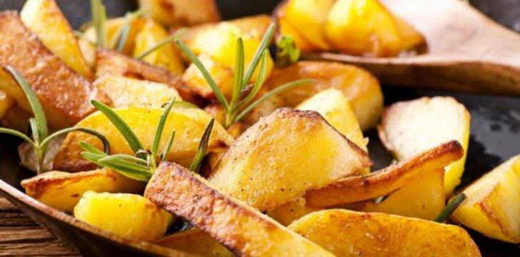 Sveikas bulvyčių fri pakaitalas – bulvių šiaudeliai, kepti orkaitėje