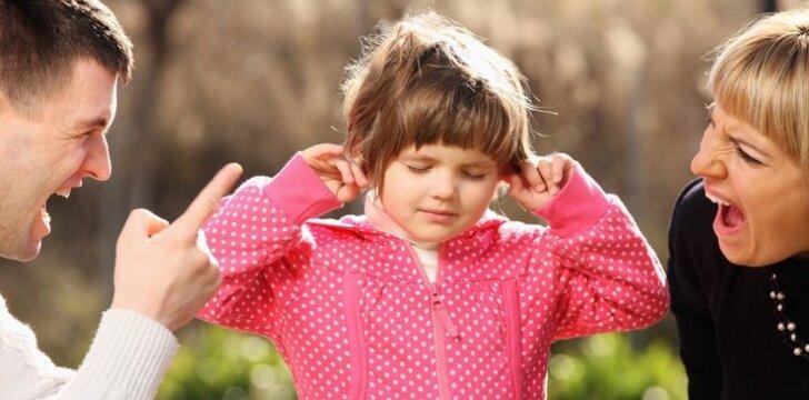 9 frazės, kurių negalima sakyti vaikui