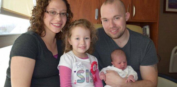 """<span style=""""color: #ff0000;"""">Akivaizdu, bet neįtikėtina:</span> ši mama vaikus gimdo tik vasario 29 dieną"""