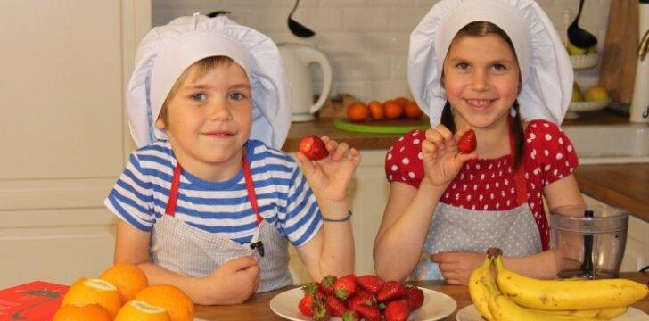 Video pamokėlė: vaikai gamina naminius ledus