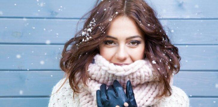Odos priežiūros klaidos, dėl kurių ji žiemą sausta, šerpetoja, skilinėja lūpų kampučiai